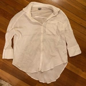 White Urban Outfitters 3/4 sleeve shirt in size XS